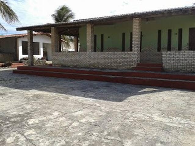Casa mobiliada com piscina e volei - Extremoz - Huis