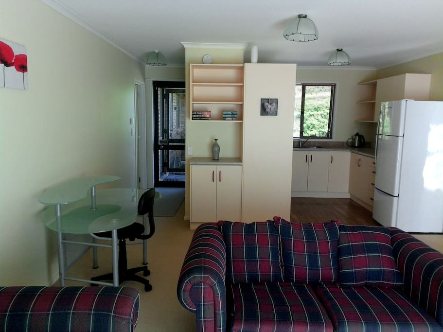 Karapiro One Bedroom Apartment Apartments For Rent In Karapiro Cambridge Waikato New Zealand