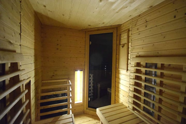 Holiday house with a sauna and spa - Sali - Apartment