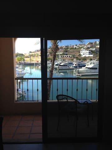 San Carlos Waterfront Elegance - San Carlos - Apartment