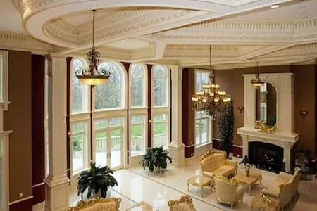 Luxury home - Colts Neck
