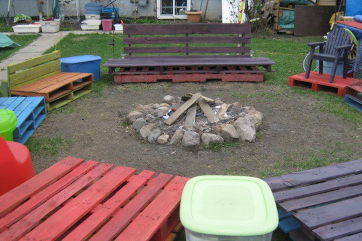 We have a HUGE yard with a lush lawn, a furnished & fired tipi, a big firepit with seating for 20, access to the kitchen, washrooms, shower, free wi-fi & comp coffee/tea. Pop your own tent for only $25/night/pp.