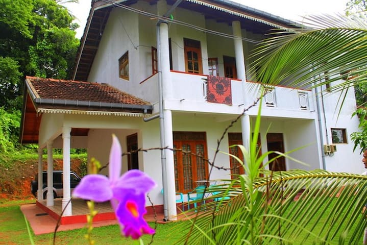 Full Furnish House for rent - Hikkaduwa - Huoneisto