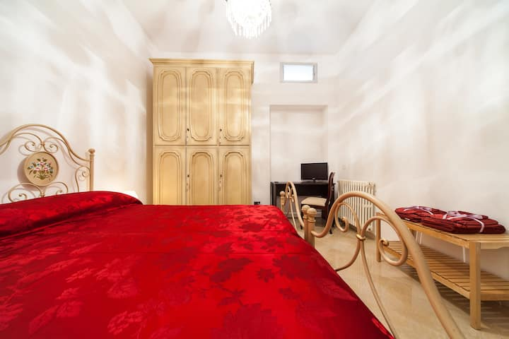 APULIA 70 - COMFORT DOUBLE ROOM wifi,kitchen,airc.