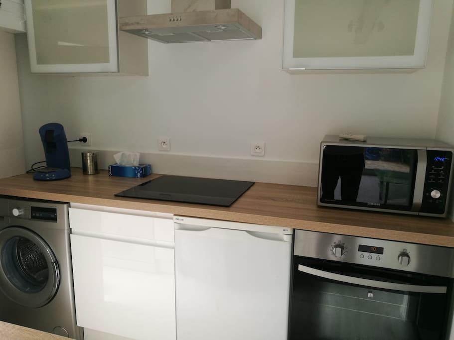 lave linge, senseo, fout micro ondes lave vaisselle, plaque induction, hotte