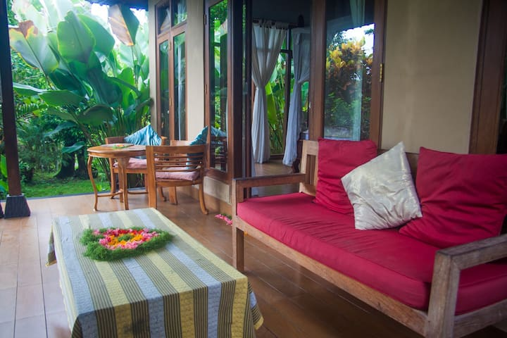 # 1 Jungle View Villa. - Ubud - House