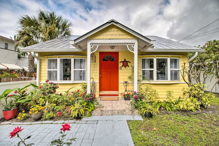 NEW! Quaint Stuart Cottage w/ Patio, 6Mi to Beach!