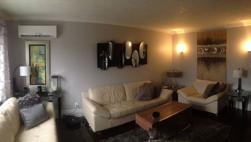 3 bedrooms home / breakfast items - Moncton - House