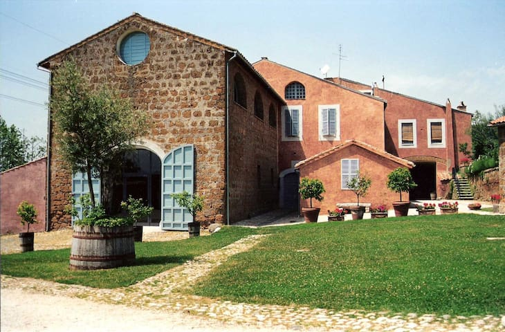 A nice studio in old Farm House - Civita Castellana