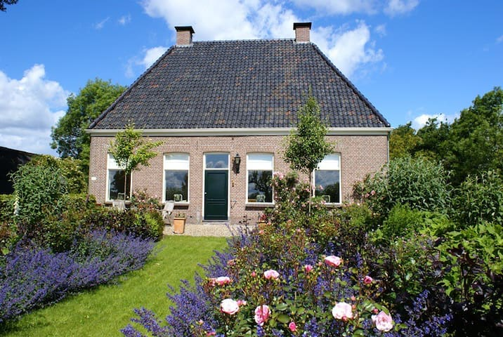 Landelijk Logeren in Opa's Huisje (min. 2 nachten) - Ruinerwold - Sommerhus/hytte