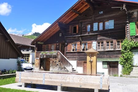 1670 Chalet Rougemont/Gstaad - Rougemont