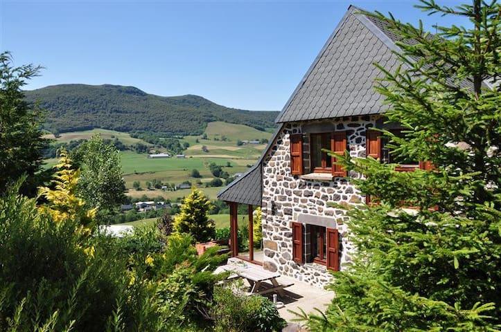 Farmhouse Auvergne Mountainview
