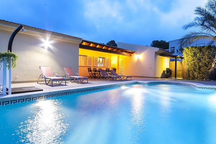 Villa Bahía de Palma - Family Only