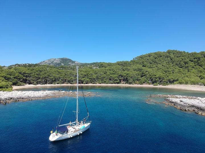 Malvazija unique 4BR sailboat in Dubrovnik