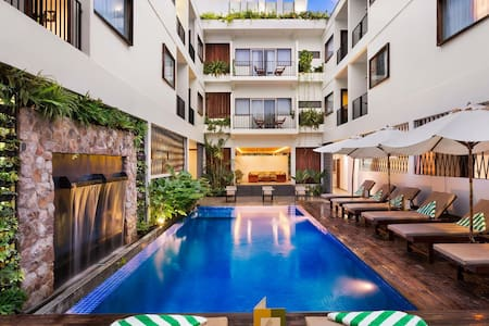 Private Deluxe Pool View Room - Krong Siem Reap