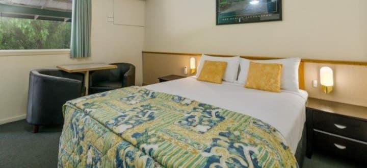 Wollongong Solomon Inn - 2 Bedroom/Sleeps 9