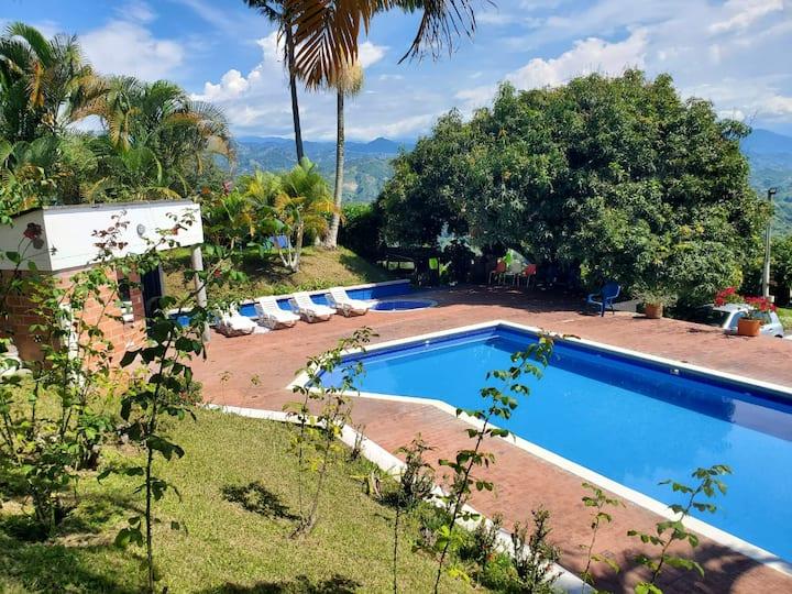 Villa Gloria, piscina , vista de aves y paisajes!!