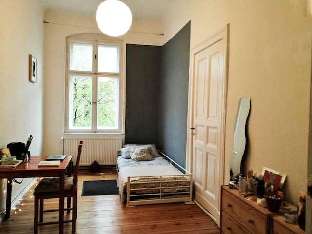 BRIGHT and COZY private room - Berlín - Pis