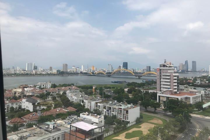 A nice modern apartment beside the Dragon Bridge