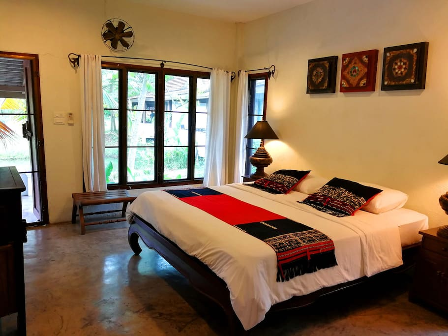 Bedroom with King size bed