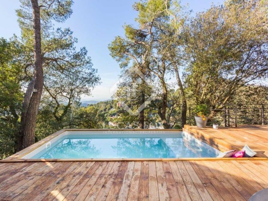 Luxury Private Villa With Pool In A Lush Area Houses For Rent In Barcelona Catalunya Spain