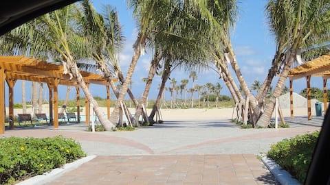 Singer Island Studio Block from the Beach