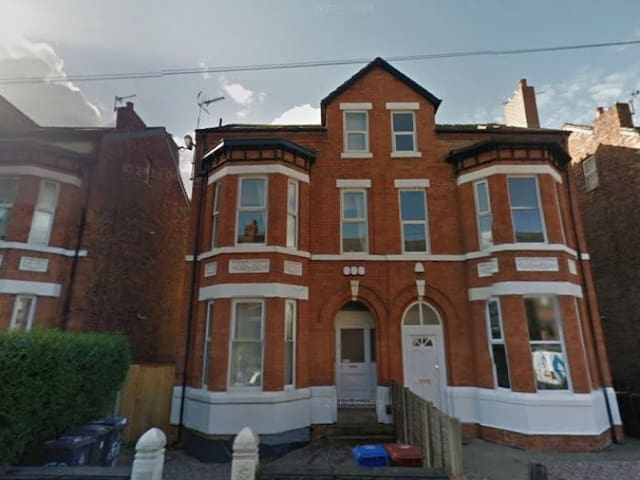 Central Two Bed Apartment, West Didsbury