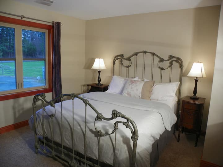 Pleasant Ridge B&B - Dragonfly Room