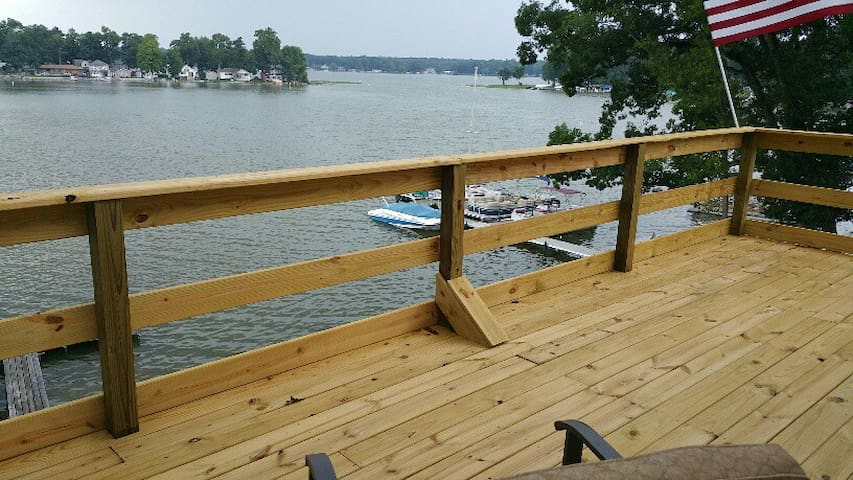 Logan's Lakehouse - Walkerton - Casa
