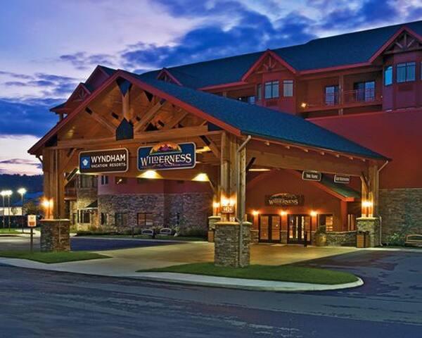 Wyndham -Wilderness 2 BedDeluxe- Sept 1 -Sept 4 - Sevierville - Leilighet