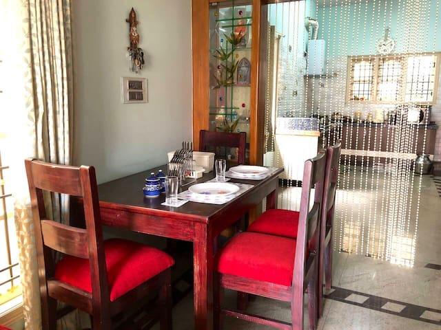 Classy modern home in a duplex in Kammanahalli