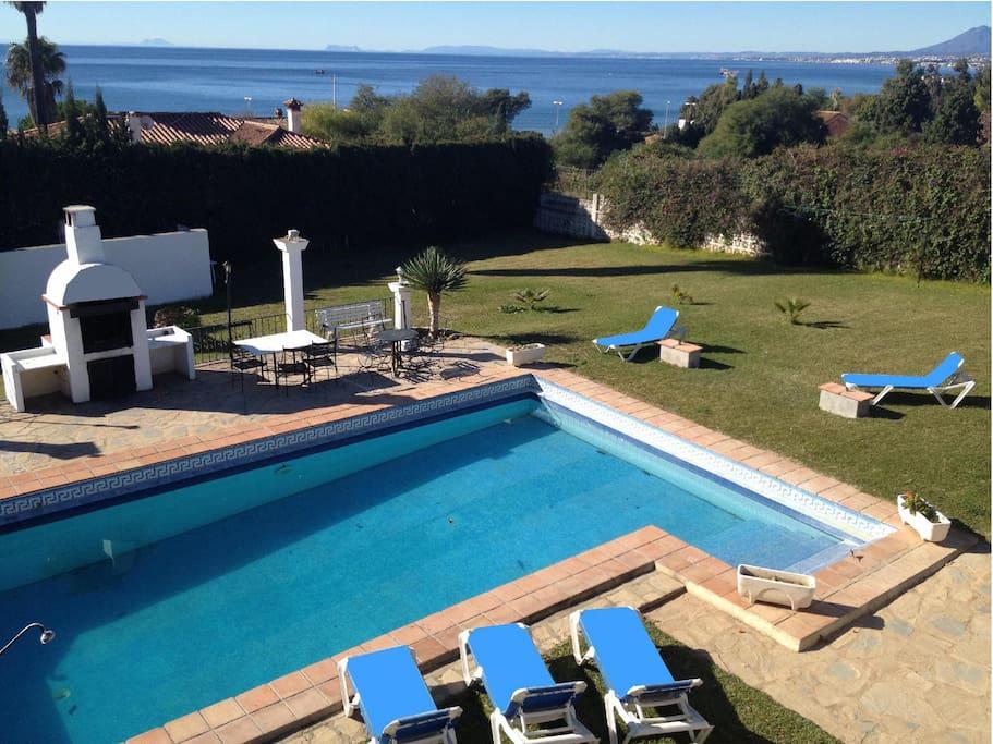 Villa marbella avec piscine 8 12 p proximit plage for Piscine marbella