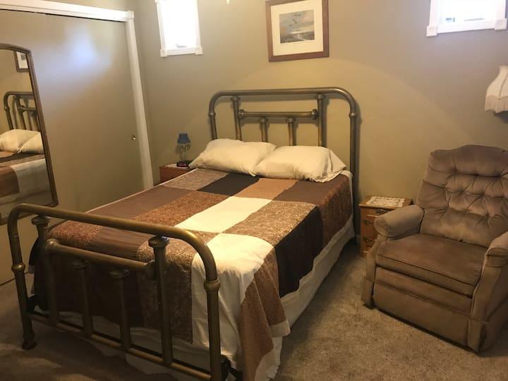 Private Room/bath in Sacramento - Roseville area