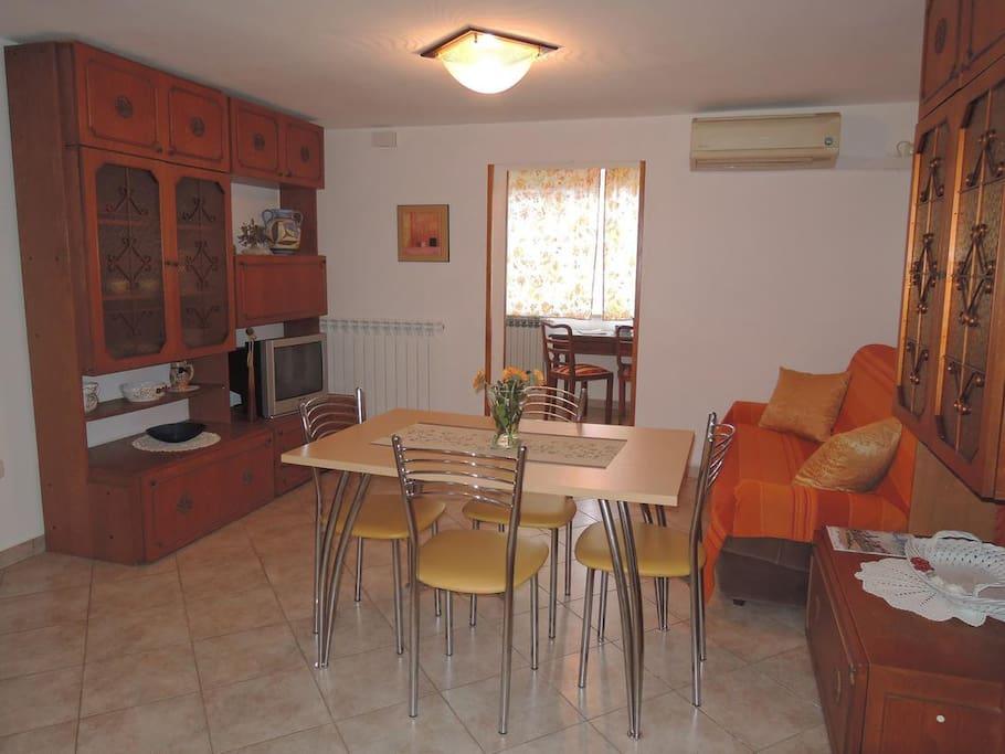 Appartement D 39 Une Chambre Avec Air Conditionn Bla Kovi I
