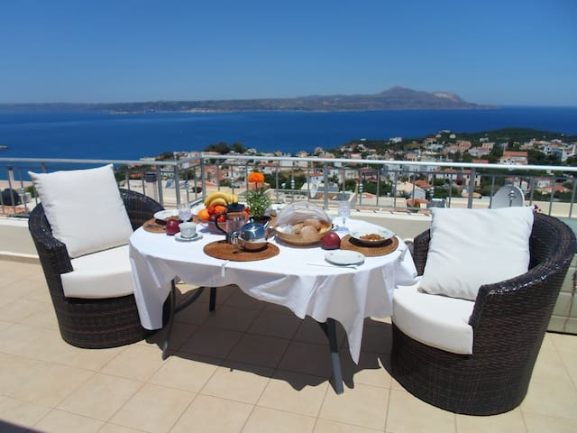 Harmonia Luxury Villa - Stunning Views - Plaka - 家庭式旅館