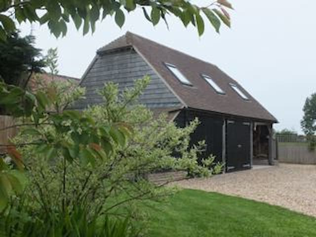 Lowood Barn, a stylish living space - West Sussex - Casa