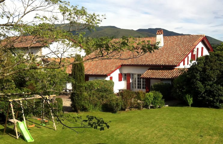 Bucolic quiet 3* holiday flat with authentic charm - Louhossoa - Pis