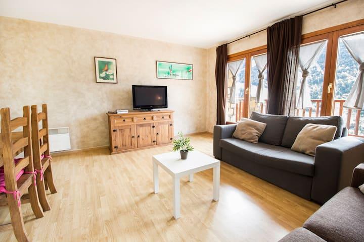 Two bedroom apartment. TTI11