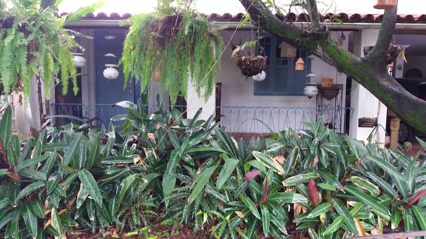 Vila Benvenuta - Suite em Cajueiro - room 01