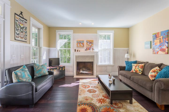 Hen Haven Country Cottage - Langley - House