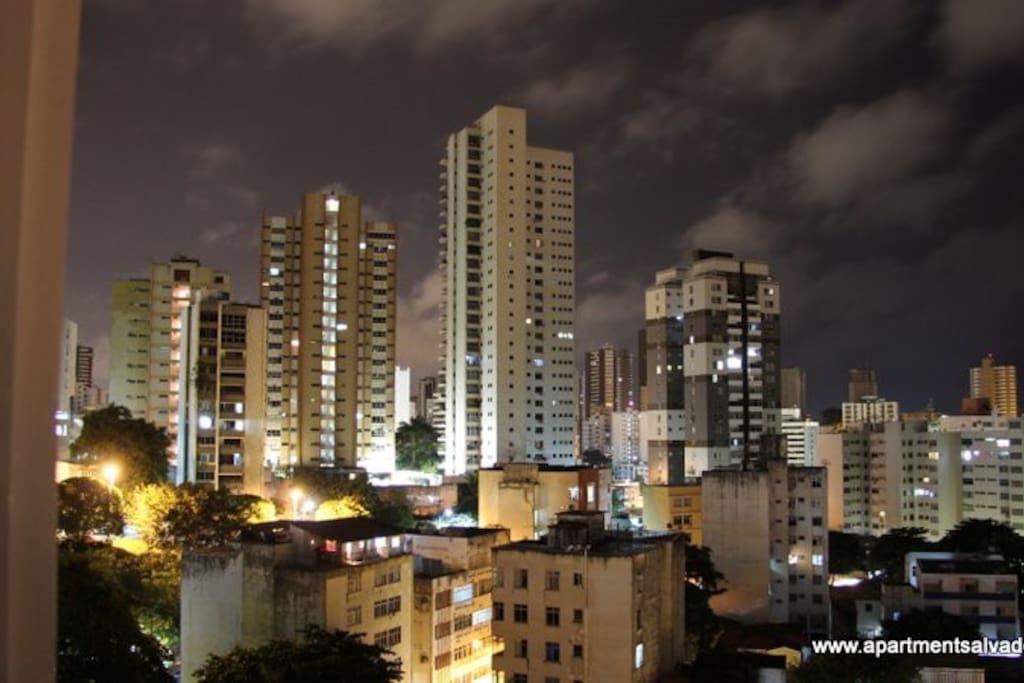 Aussicht vom Apartment bei Nacht
