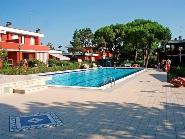 Villetta vista mare in Res. piscina - Lido delle Nazioni - Dům