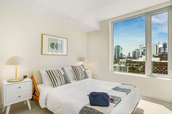 Modern 1BR in South Lake Union, Gym + Rooftop