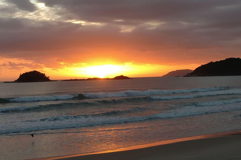 Foto do nascer do sol tirada por mim.
