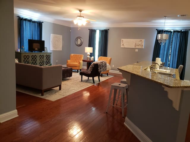 Corporate condo  for travel employees  2Bed 2Bath