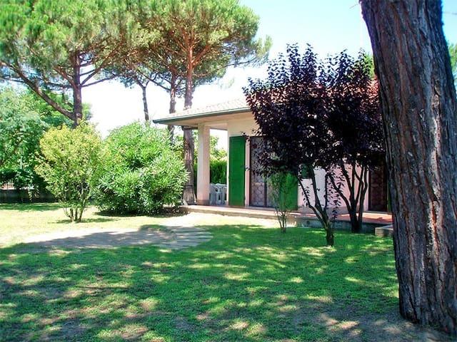 Villa al p.terra con ampio giardino zona verde
