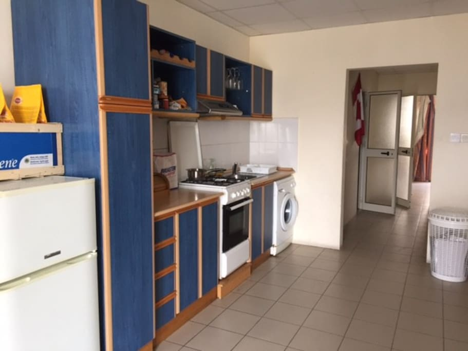 Big kitchen, all utilities available