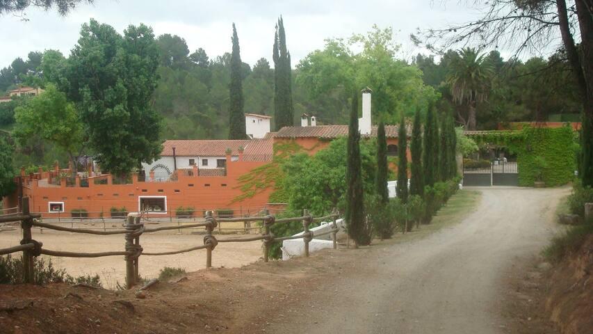 """Catalan """"Masia"""" Vineyard & farm cou - Sant Quintí de Mediona - Villa"""