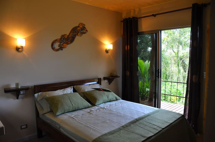 Tiriguro Lodge-B&B- Guayaba - Orotina, Alajuela - Bed & Breakfast