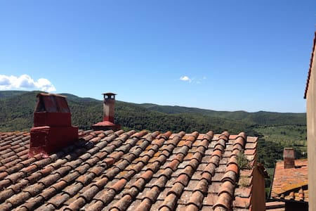 Tipical Tuscany flat in old town - Castagneto Carducci - Byt